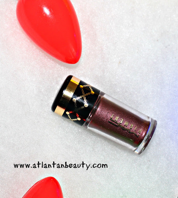 M.A.C Loose Pigment in Heritage Rouge
