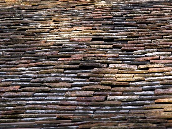 Image of roof tiles © Hans Hillewaert released under Creative Commons BY-SA 4.0.