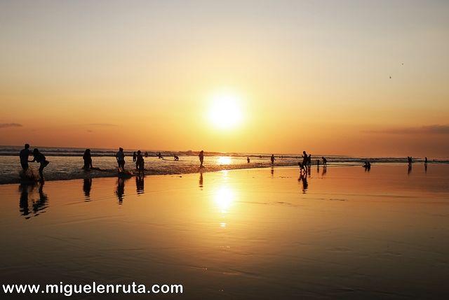 Puesto-sol-Legian-Beach
