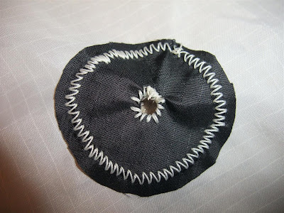 circle with hole, sewing the kite corners, nylon, braces, zig-zag, gussets