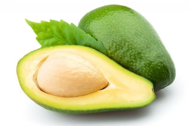 mencegah penyakit jantung dengan buah alpukat