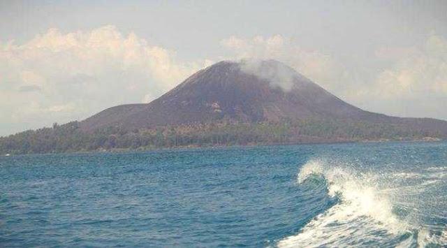 Gunung Anak Krakatau Kembali Meletus Mengrluarkan Lava Pijar