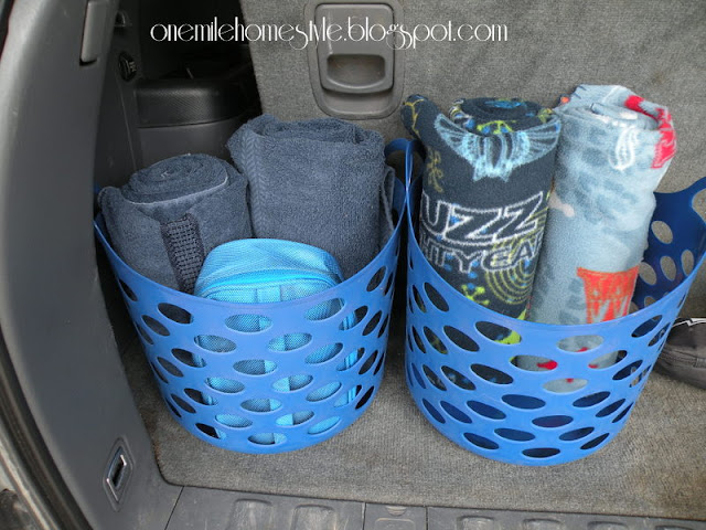 Baskets to organize the car