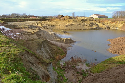 http://materipengetahuanumum.blogspot.co.id/2016/11/pengertian-kolam-bekas-tambang-batu-bara.html