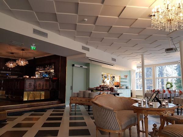 Villa Sandvikenin brunssi - Lapsiperhe ravintolassa