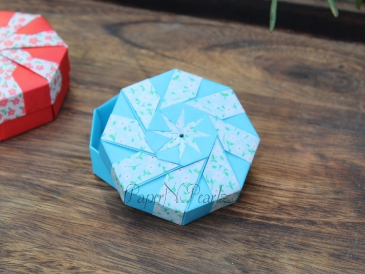 octagon origami box - tutorial - dutchpapergirl - YouTube | 534x712