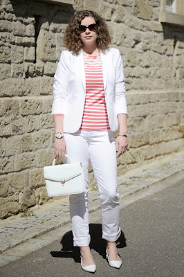 http://seaofteal.blogspot.de/2014/04/strawberrystripes-white.html
