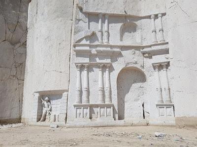 Esculturas en la cantera de sillar Añashuayco