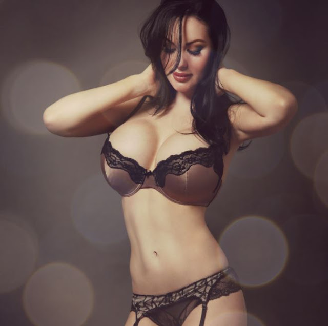 Hot girls Verónica Black sexy big breasts Fan David Beckham 2