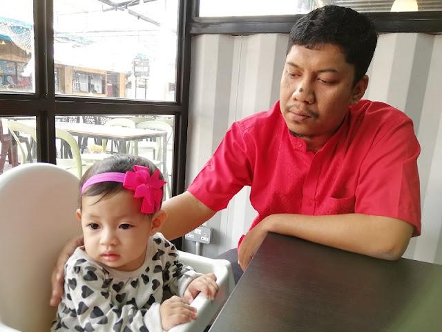 Ayah dan Adira