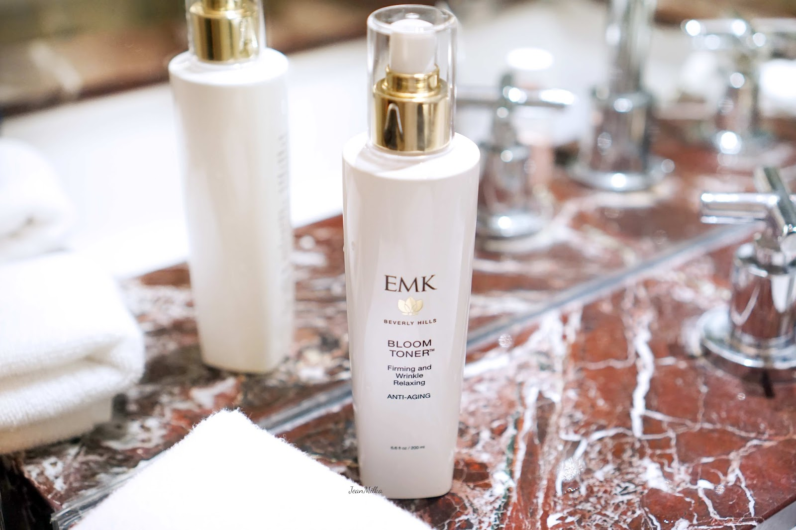 emk, emk beverly hills, review emk beverly hills, emk beverly hills skincare, skicare, review, product review, acne skincare, kulit berjerawat, emk bloom toner