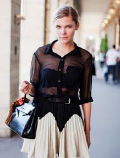 c5433956c9c11 Poucas roupas conseguem ser sensuais e sofisticadas ao mesmo tempo, e as  transparências conseguem essa façanha. Sem cair na vulgaridade, claro, ...