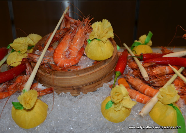 seafood bar at Palazzo Versace Dubai