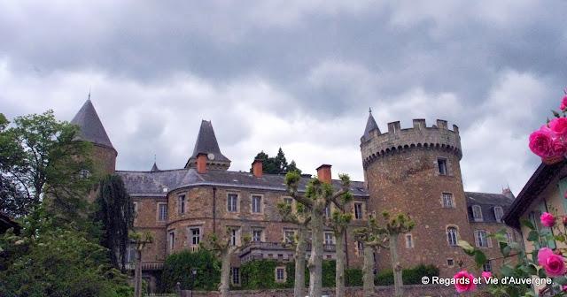 le Château de Busset, Allier.