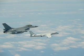 China Kerahkan Jet Tempur Su-35 dan Pembom H-6K ke Dekat Taiwan, Perang ?