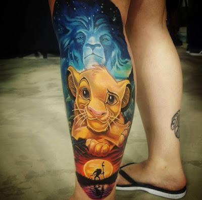 Tatuaje increíble del Rey León