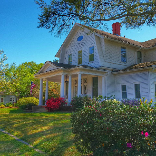 Quaint, Southern Homes in Smithfield, NC #outaboutnc