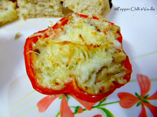 stuffed bell peppers/capscicum with cheesy chicken