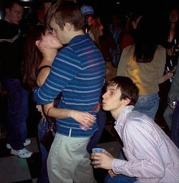 Most Romantic Moments Ever Captured By Camera (35 Pics)