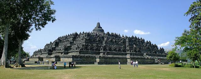 Melihat landscape Candi Borobudur dari Puthuk Setumbu bagaikan berada di Bagan Myanmar