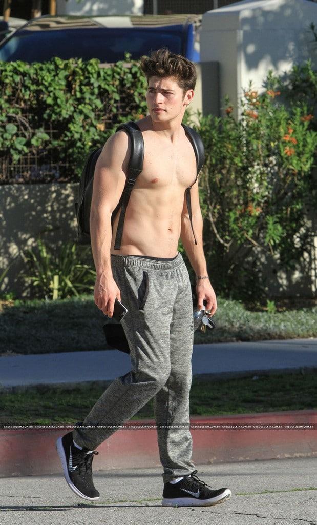 Alexis_Superfan's Shirtless Male Celebs: Gregg Sulkin ...