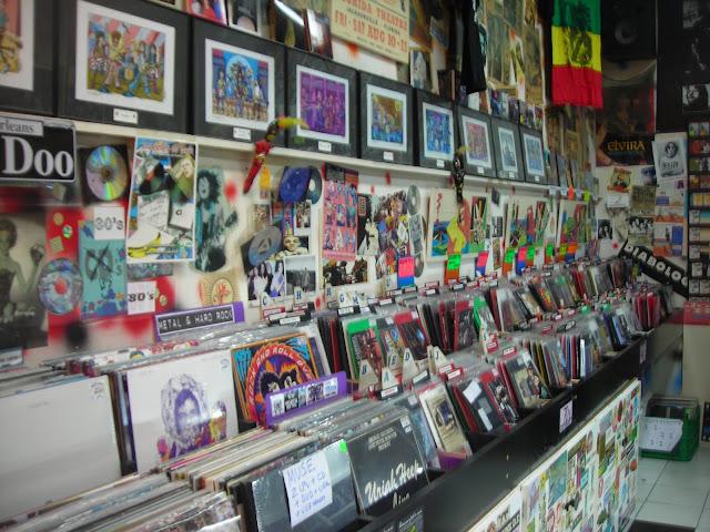 Libro Cómo mercadear y promocionar un producto musical de manera autogestionada en América Latina