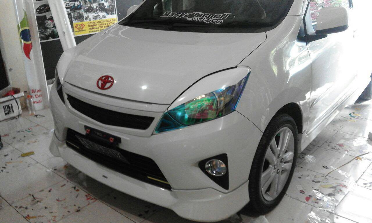Stiker Hantu Kaca Mobil - Model 3 - JakartaNotebook.com