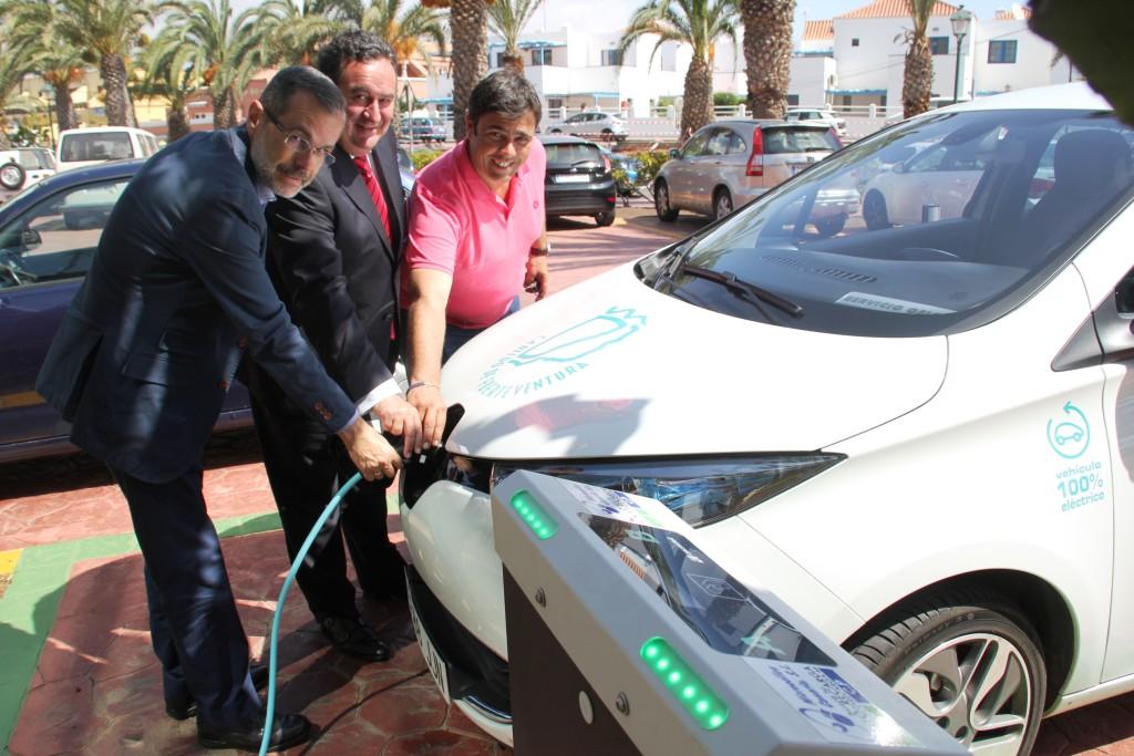 El Gobierno acuerda financiar la instalación de puntos de recarga para vehículos eléctricos en Fuerteventura