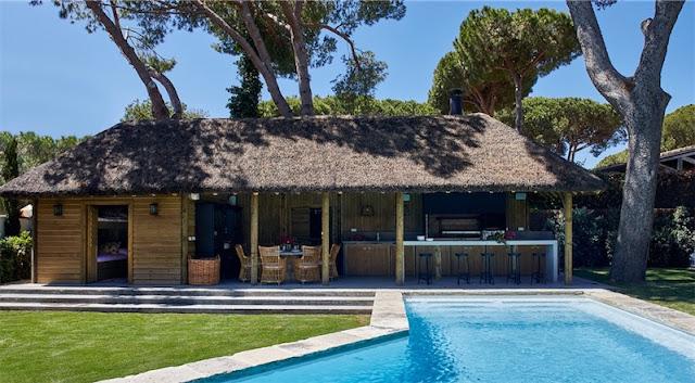 Un proyecto increíble junto a la piscina chicanddeco