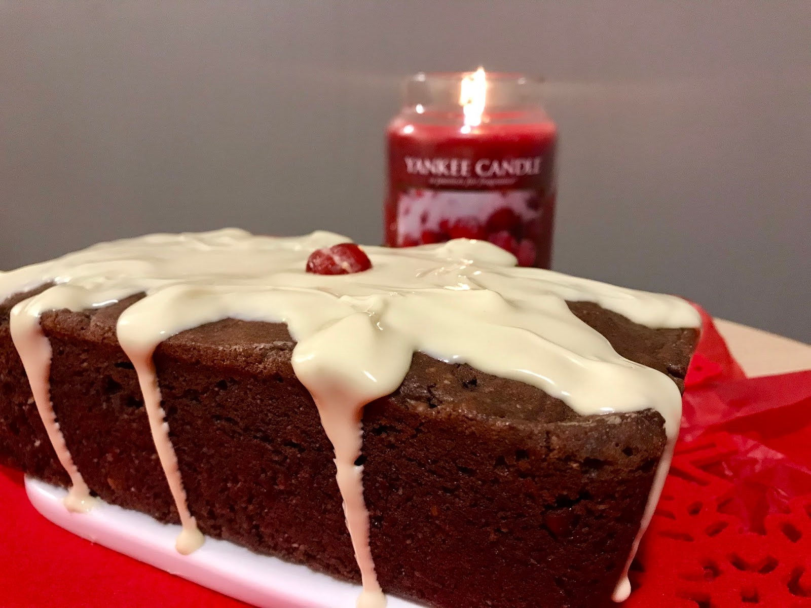 Christmas Loaf Cake Decoration : Christmas: Homemade Chocolate Christmas Loaf Cake Food ...