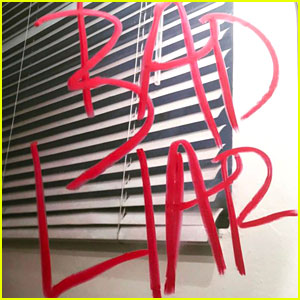 Arti Lirik Lagu Selena Gomez - Bad Liar