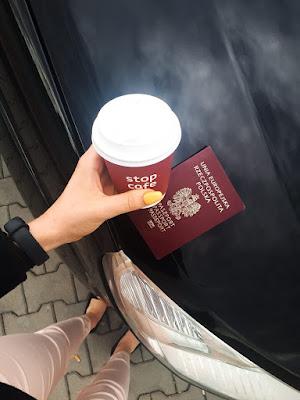 Kawa | paszport | auto | podróż