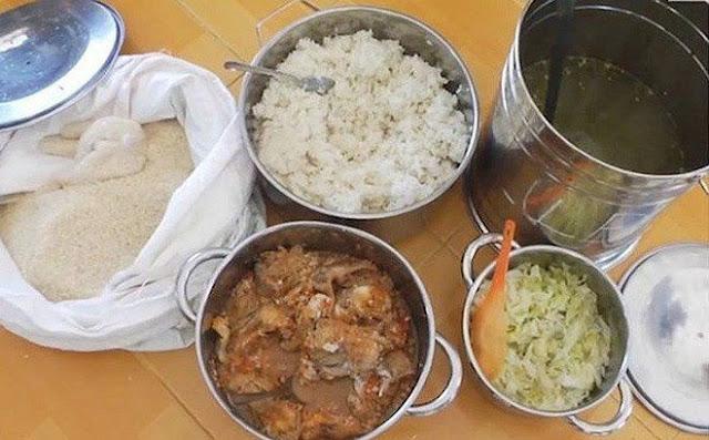 Để học sinh ăn phải thịt ôi, gạo mốc