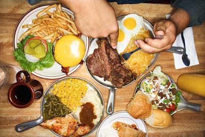 تجنب الأكل الزائد أو الشبع لتبقى صحتك جيدة