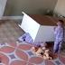 YouTube: Niño de 2 Años Rescata a su Hermano al que le Cayó un Mueble Encima