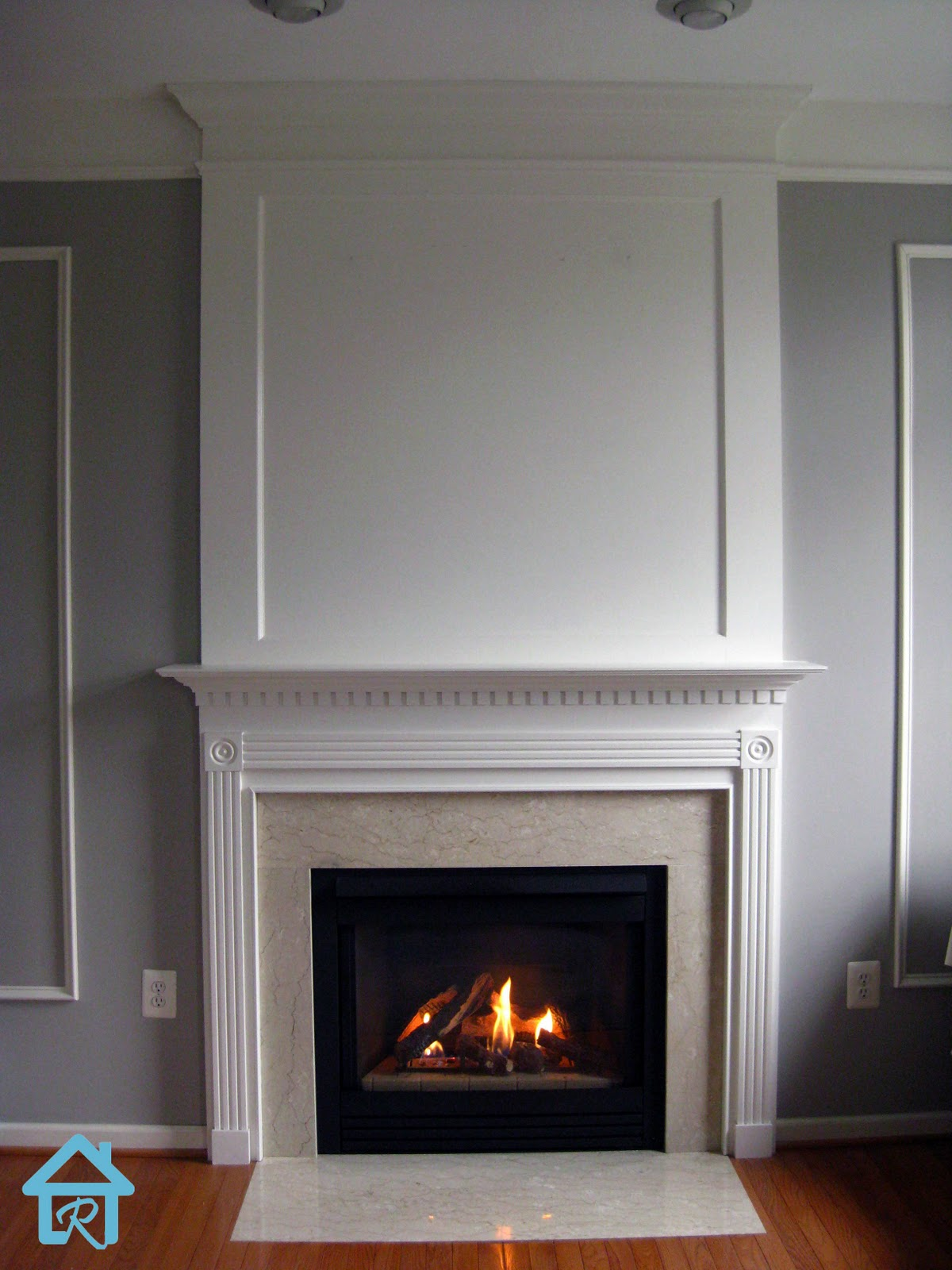 Remodelando la casa adding visual interest and height to - How to put out a fireplace ...