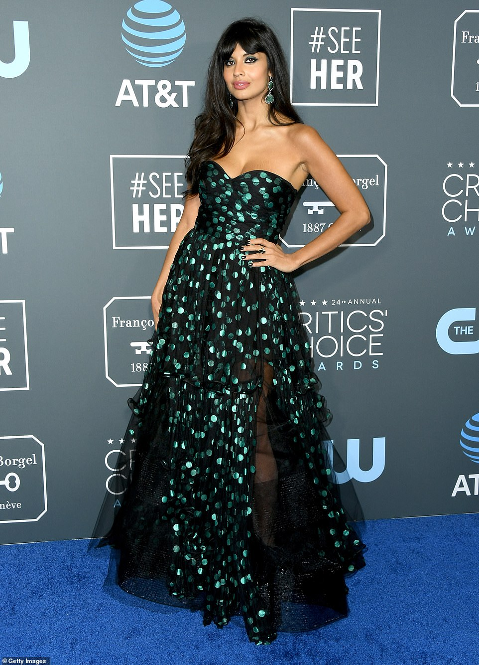 Jameela Jamil dazzles in Oscar Da La Renta at the 2019 Critics' Choice Awards
