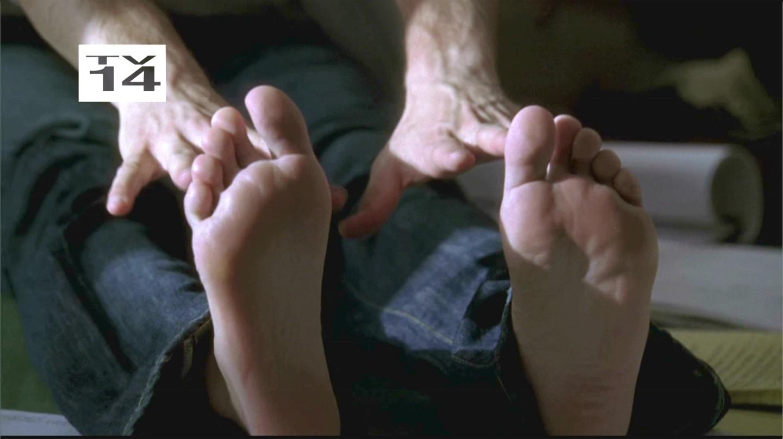 famous male feet markpaul gosselaar