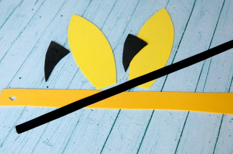 pikachu ears headband - Pokemon crafts for kids