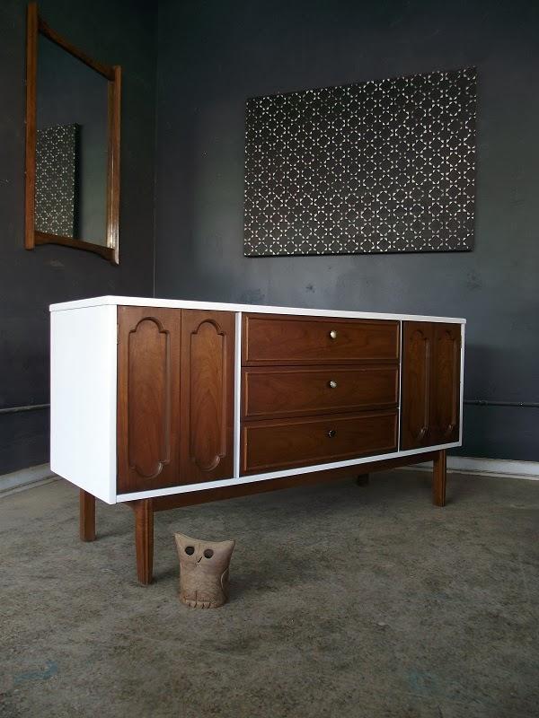 Vintage Ground Mid Century Danish Modern White Wood