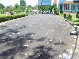 Dies Natalis 34  Universitas Bengkulu dan Sampah yang Berserakan