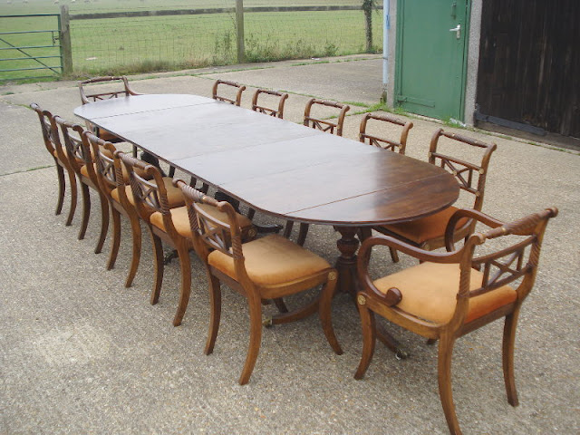 Pedestal Dining Tables Pedestal Dining Tables 35ff7b1ee604791229490cacc110df2a