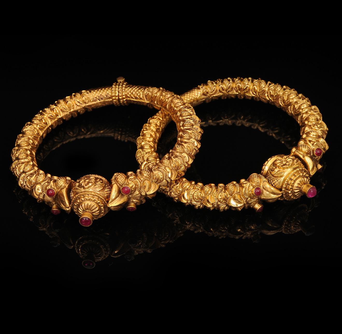 Gold necklace blog: Latest antique gold bangle models..
