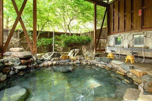 أريد أن أذهب إلى الحمام نصائح! موقع المخيم حيث الينابيع الساخنة جذابة الصينية