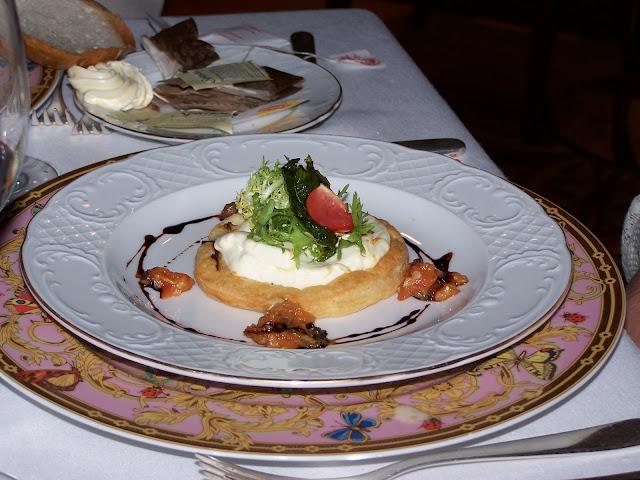 Norwegian Jewel French restaurant