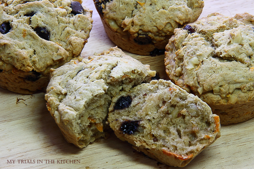 My Trials in the Kitchen: Carrot Walnut Chocolate Chips Muffins