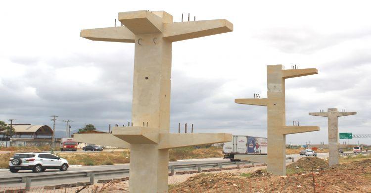 Avançam as obras de oito passarelas sobre a BR-020 cbb5c8ddbbdcf