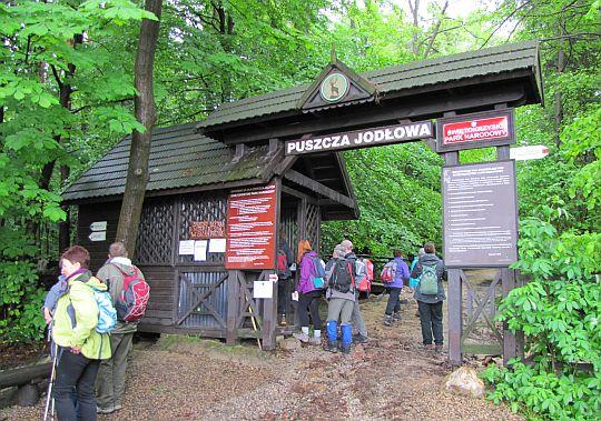 Brama do Świętokrzyskiego Parku Narodowego.