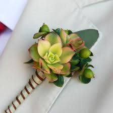 summer wedding boutonnieres