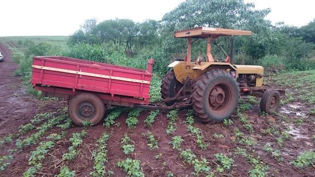 PM de Ubiratã recupera trator e objetos roubados em zona rural